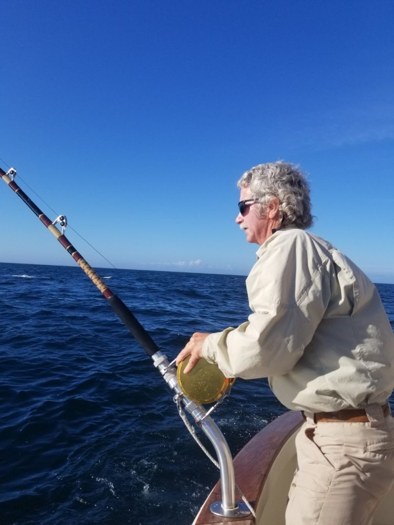 Angling a Giant Bluefin on Tuna Hunter