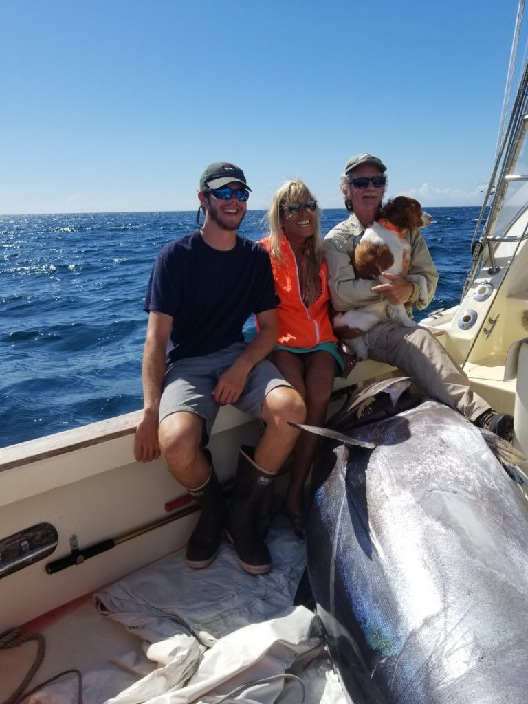 820 lb Bluefin on Tuna Hunter