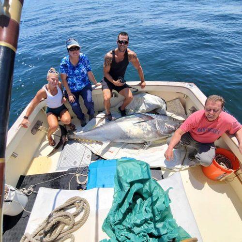 DiNiccio Family w Giant Bluefin on Tuna Hunter